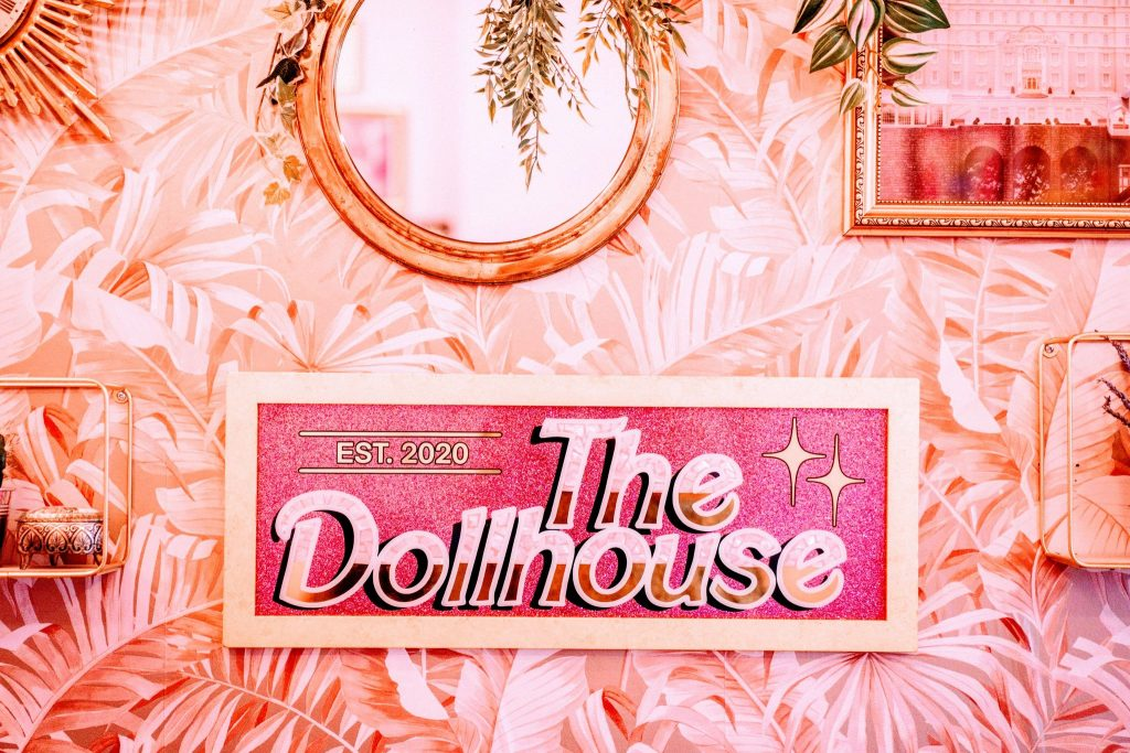 Welcome to The Dollhouse 🏠💝