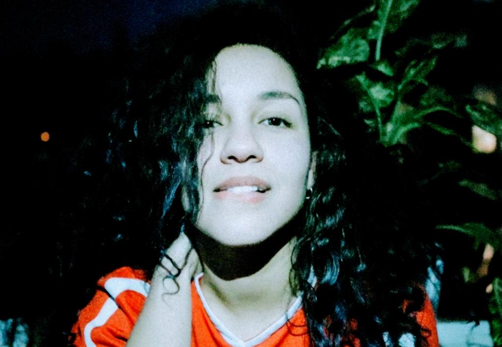 Eliza Shaddad – on self imposed isolation, deep emotions & community 💜